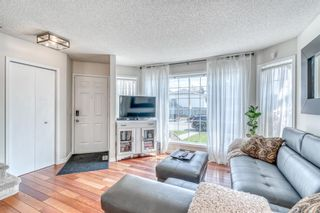 Photo 3: 15 Rivercrest Crescent SE in Calgary: Riverbend Detached for sale : MLS®# A1126061