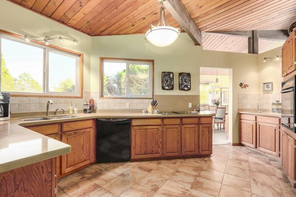Photo 10: Photos: 208 54 STREET in Delta: Pebble Hill House for sale (Tsawwassen)  : MLS®# R2216720