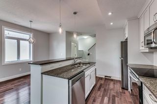 Photo 4: 2 2120 35 Avenue SW in Calgary: Altadore Row/Townhouse for sale : MLS®# C4285073