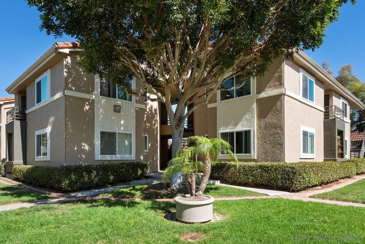 Main Photo: UNIVERSITY CITY Condo for sale : 1 bedrooms : 7575 Charmant Dr #1004 in San Diego