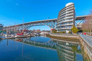 """Photo 3: 1001 628 KINGHORNE Mews in Vancouver: Yaletown Condo for sale in """"SILVER SEA"""" (Vancouver West)  : MLS®# R2510572"""