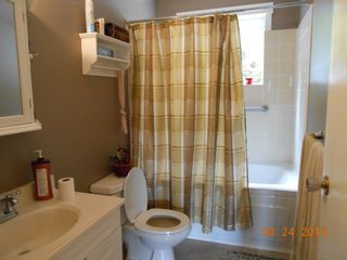 Photo 9: 2745 Vickers Trail in Anglemont: House for sale : MLS®# 10072926