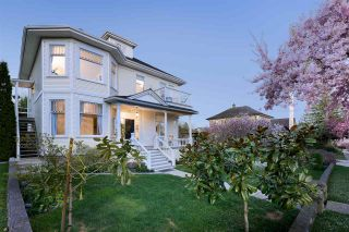 """Photo 2: 227 THIRD Street in New Westminster: Queens Park House for sale in """"Queen's Park"""" : MLS®# R2568032"""