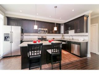 Photo 9: # 75 6383 140TH ST in Surrey: Sullivan Station Condo for sale