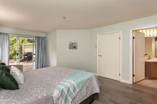 "Photo 12: 217 11605 227 Street in Maple Ridge: East Central Condo for sale in ""THE HILLCREST"" : MLS®# R2382666"