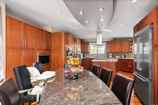 Photo 2: 4612 Royal Wood Crt in : SE Broadmead House for sale (Saanich East)  : MLS®# 872790