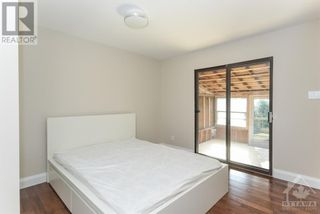 Photo 16: 102 STARWOOD ROAD UNIT#A in Ottawa: House for rent