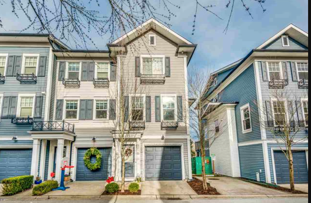Main Photo: 29 7348 192A Street in Cloverdale: Townhouse for sale : MLS®# R2529601