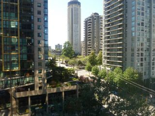 """Photo 4: 613 1333 W GEORGIA Street in Vancouver: Coal Harbour Condo for sale in """"Qube"""" (Vancouver West)  : MLS®# V1024937"""