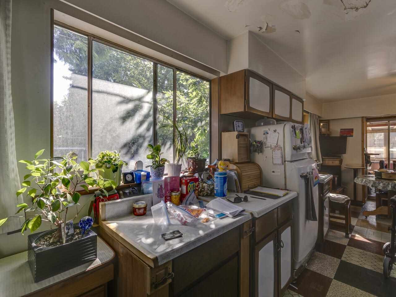 """Photo 20: Photos: 2796 E 4TH Avenue in Vancouver: Renfrew VE House for sale in """"Renfrew Heights"""" (Vancouver East)  : MLS®# R2496647"""