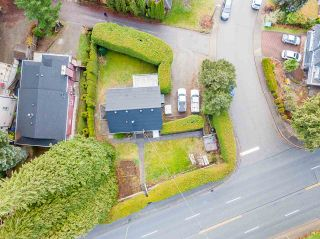 Photo 2: 301 MARINER Way in Coquitlam: Coquitlam East House for sale : MLS®# R2533632