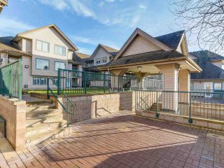 Photo 5: 212 5625 SENLAC STREET in Vancouver: Killarney VE Townhouse for sale (Vancouver East)  : MLS®# R2418906