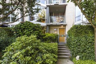 "Photo 18: TH103 1288 MARINASIDE Crescent in Vancouver: Yaletown Townhouse for sale in ""Crestmark"" (Vancouver West)  : MLS®# R2281597"