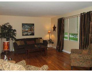 Photo 2: 455 HORTON Avenue West in WINNIPEG: Transcona Residential for sale (North East Winnipeg)  : MLS®# 2809840