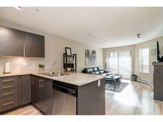 """Photo 11: 113 8915 202 Street in Langley: Walnut Grove Condo for sale in """"THE HAWTHORNE"""" : MLS®# R2444586"""