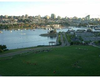 "Photo 1: 11C 199 DRAKE ST in Vancouver: False Creek North Condo for sale in ""CONCORDIA 1"" (Vancouver West)  : MLS®# V542014"