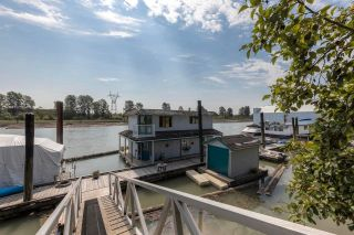"""Photo 2: 23240 DYKE Road in Richmond: Hamilton RI House for sale in """"Waterfront Property with Float Home(s)"""" : MLS®# R2606425"""