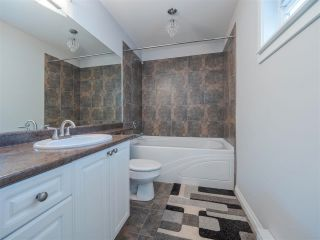 Photo 16: 6334 SAMRON Road in Sechelt: Sechelt District House for sale (Sunshine Coast)  : MLS®# R2589104