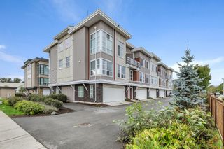 """Photo 1: 2 8466 MIDTOWN Way in Chilliwack: Chilliwack W Young-Well Townhouse for sale in """"MIDTOWN II"""" : MLS®# R2621321"""