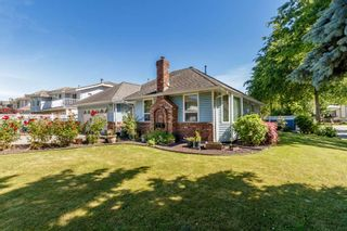 Photo 2: 13678 91 Avenue in Surrey: Bear Creek Green Timbers House for sale : MLS®# R2384528