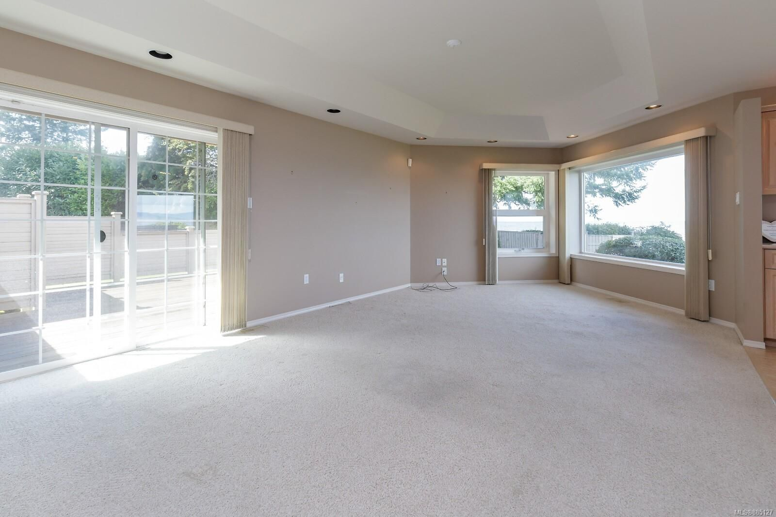 Photo 5: Photos: 26 529 Johnstone Rd in : PQ French Creek Row/Townhouse for sale (Parksville/Qualicum)  : MLS®# 885127