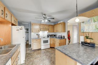 Photo 11: 2416 48 Street NW in Calgary: Montgomery Detached for sale : MLS®# A1063457