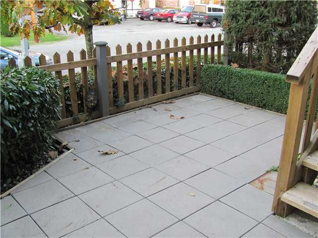 Photo 9: Photos: 2 2212 ATKINS Avenue in Port Coquitlam: Central Pt Coquitlam Townhouse for sale : MLS®# V917398