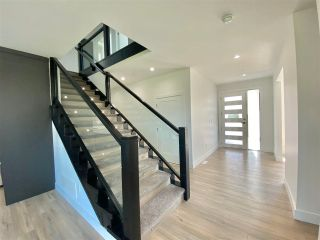"""Photo 2: 8365 BREAKEY Street in Mission: Mission BC House for sale in """"WEST HEIGHTS-WEST OF CEDAR"""" : MLS®# R2583454"""