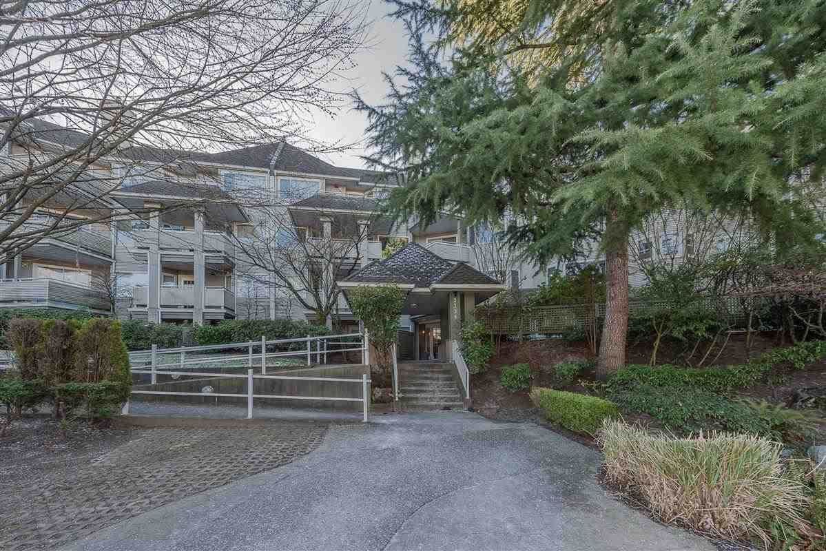 """Main Photo: 216 3738 NORFOLK Street in Burnaby: Central BN Condo for sale in """"WINCHELSEA"""" (Burnaby North)  : MLS®# R2338766"""