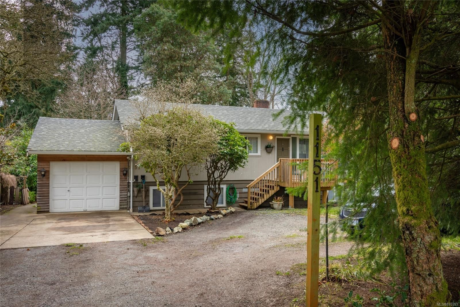 Main Photo: 1151 Bush St in : Na Central Nanaimo House for sale (Nanaimo)  : MLS®# 870393