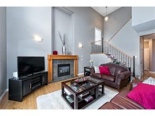 Photo 3: 131 Valley Stream Circle NW in Calgary: Valley Ridge House for sale : MLS®# C4092729