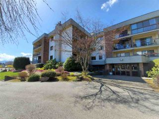"""Photo 2: 1206 45650 MCINTOSH Drive in Chilliwack: Chilliwack W Young-Well Condo for sale in """"Phoenixdale"""" : MLS®# R2563860"""