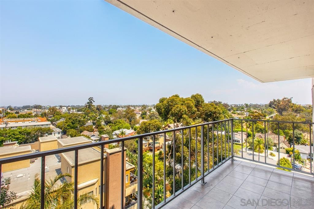 Main Photo: HILLCREST Condo for sale : 3 bedrooms : 3635 7th Ave #8E in San Diego