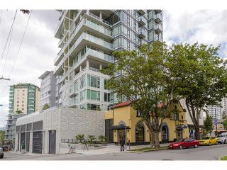 """Photo 2: 1806 1221 BIDWELL Street in Vancouver: West End VW Condo for sale in """"ALEXANDRA"""" (Vancouver West)  : MLS®# V1081262"""