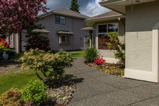 Photo 3: 1976 Fairway Dr in : CR Campbell River Central House for sale (Campbell River)  : MLS®# 875693