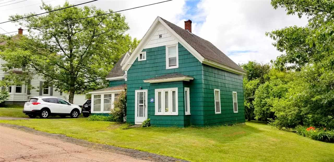 Main Photo: 7 St. James Street in Springhill: 102S-South Of Hwy 104, Parrsboro and area Residential for sale (Northern Region)  : MLS®# 202012251