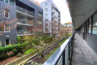 """Photo 2: 304 123 W 1ST Avenue in Vancouver: False Creek Condo for sale in """"COMPASS"""" (Vancouver West)  : MLS®# R2554885"""