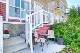 Photo 4: 3028 New Brighton Gardens SE in Calgary: New Brighton Row/Townhouse for sale : MLS®# A1125988
