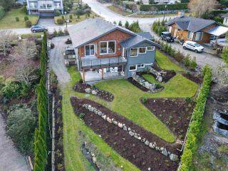 Photo 2: 6532 N GALE AVENUE in Sechelt: Sechelt District House for sale (Sunshine Coast)  : MLS®# R2554802