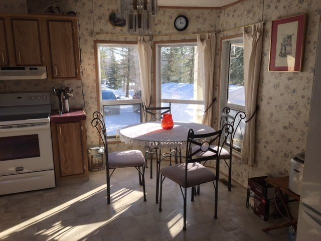 "Photo 4: Photos: 30 3656 HILBORN Road in Quesnel: Quesnel - Rural North Manufactured Home for sale in ""PARK VILLAGE TRAILER PARK"" (Quesnel (Zone 28))  : MLS®# R2437921"