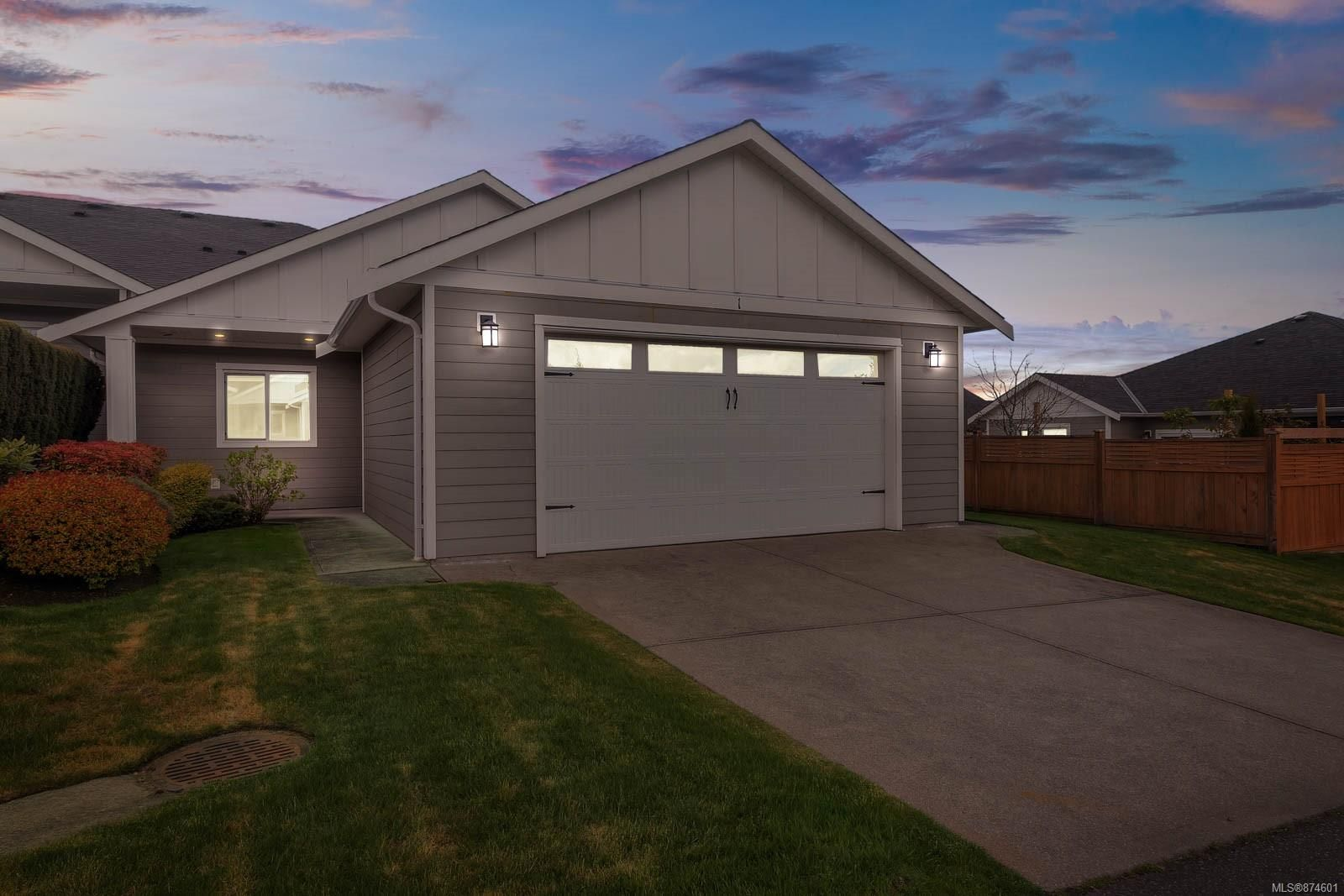 End unit, 3 bedroom patio home that is 19+ and allows 2 pets.