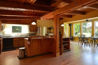 Photo 6: 1881 GRANDVIEW Road in Gibsons: Gibsons & Area House for sale (Sunshine Coast)  : MLS®# R2101665