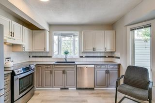 Photo 13: 100 Patina Park SW in Calgary: Patterson Row/Townhouse for sale : MLS®# A1130251