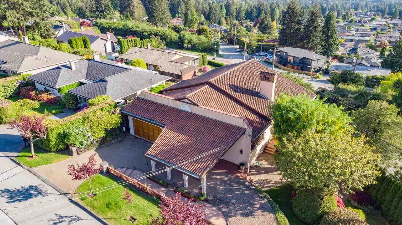 Photo 38: Photos: 385 MONTERAY Avenue in North Vancouver: Upper Delbrook House for sale : MLS®# R2582994