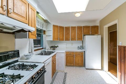 Photo 12: Photos: 1 Mangrove Road in Toronto: Rustic House (Bungalow-Raised) for sale (Toronto W04)  : MLS®# W2978109