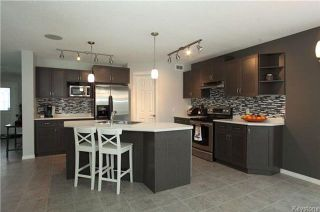 Photo 3: 90 Buckley Trow Bay in Winnipeg: River Park South Residential for sale (2F)  : MLS®# 1800955