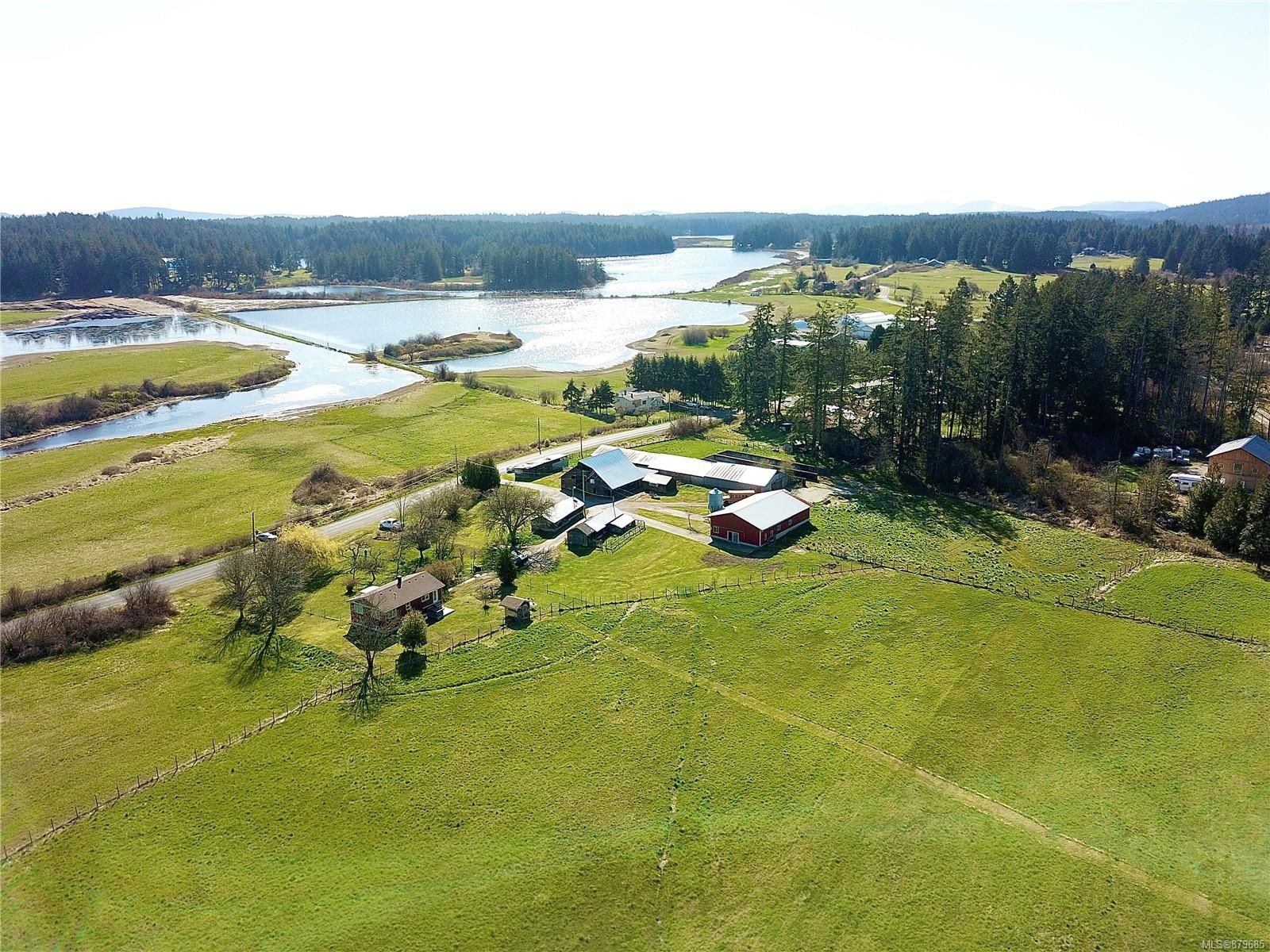 Main Photo: 2465 Quennell Rd in : Na Cedar House for sale (Nanaimo)  : MLS®# 879685