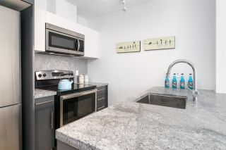 """Photo 4: 912 188 KEEFER Street in Vancouver: Downtown VE Condo for sale in """"188 KEEFER"""" (Vancouver East)  : MLS®# R2306142"""