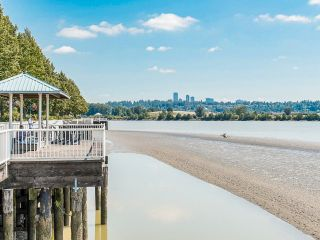 """Photo 32: 1006 1235 QUAYSIDE Drive in New Westminster: Quay Condo for sale in """"RIVIERA TOWER"""" : MLS®# R2612437"""