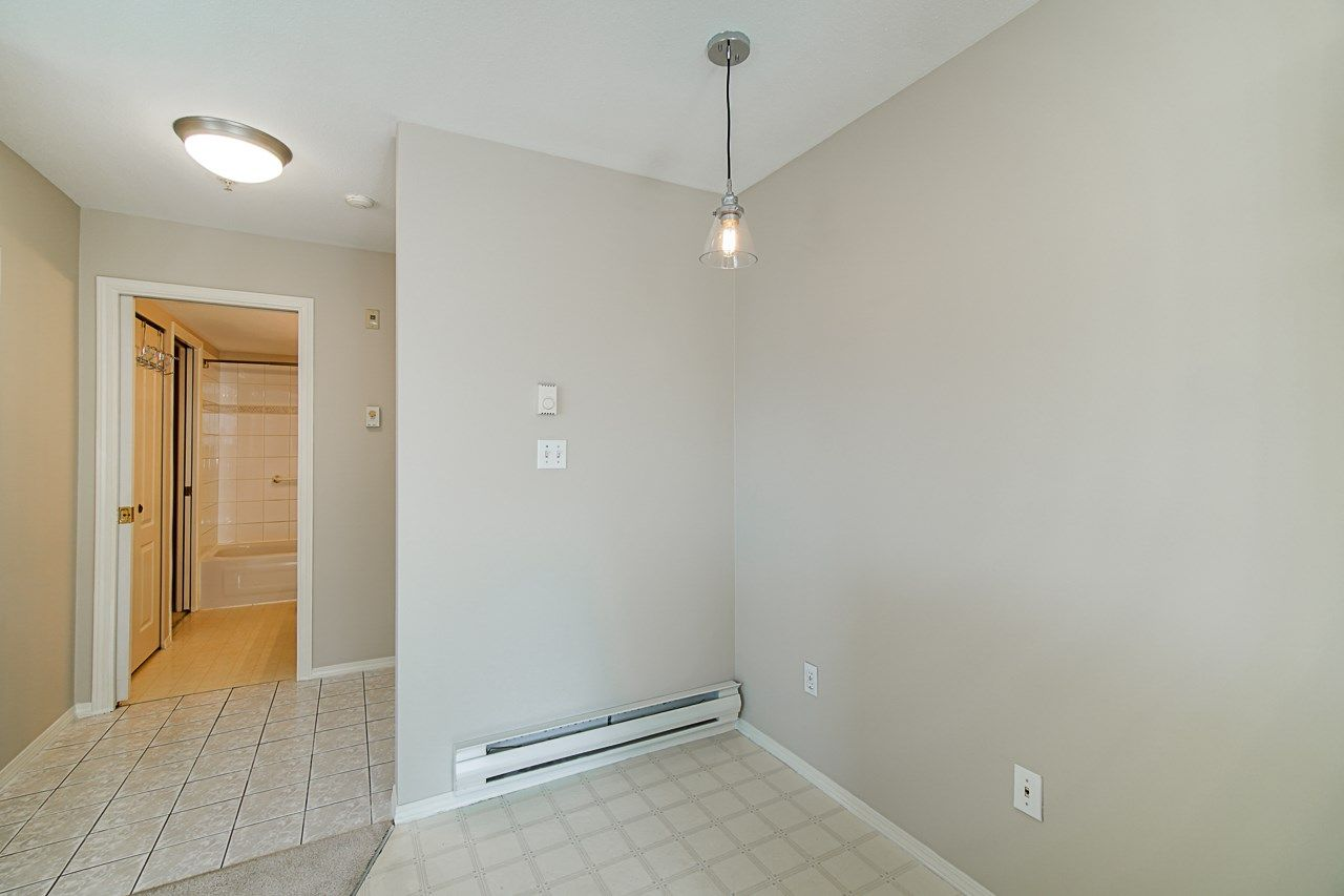 Photo 8: Photos: 306 2962 TRETHEWEY STREET in Abbotsford: Abbotsford West Condo for sale : MLS®# R2470028